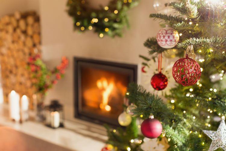 El 60% de los incendios en época decembrina son ocasionados por el árbol de Navidad