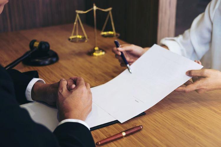 Cuándo y cómo reclamar el seguro de Responsabilidad Civil